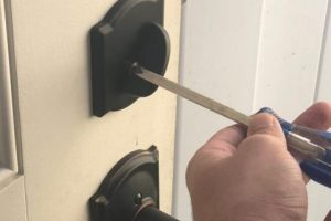 Residential-Locksmith-in-Naples-FL-e1516931699301.jpg